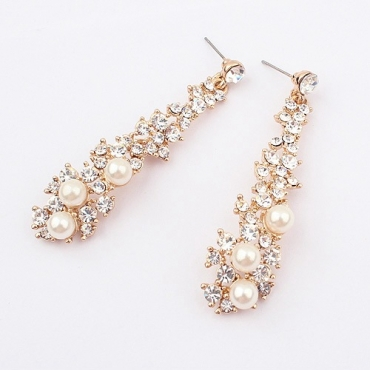 Celebrity Fashion Pearls Embellished Metal Earring