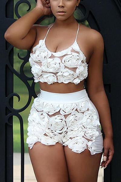 Sexy U-förmige Hals Ärmellose Rosen verzieren weiße Spitze zweiteilige Shorts Set