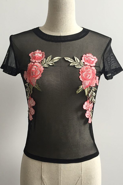 Leisure Round Neck Short Sleeves Embroidered Design Black Acrylic T-shirt